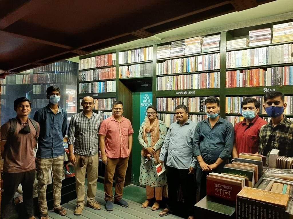 ভ্রমণ বিষয়ক বাংলা ভাষার বইগুলোর তথ্যসমৃদ্ধ পূর্ণাঙ্গ তালিকা করতে চাই- আশরাফুজ্জামান উজ্জল